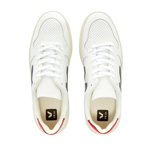 https://www.curatedmenswear.com/wp-content/uploads/2020/09/veja4.jpg